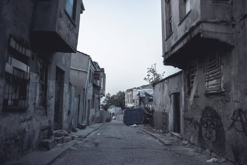 Growing Up In A Bad Neighborhood Does More Harm Than We >> 5 Lessons I Learned From Growing Up In The Ghetto And How They